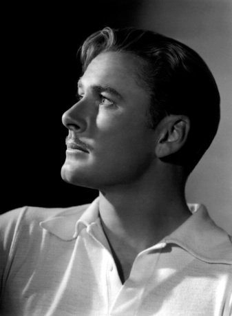 Errol Flynn. Cuero.