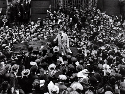 A myriad of fans greeting Charlie in London, 1921