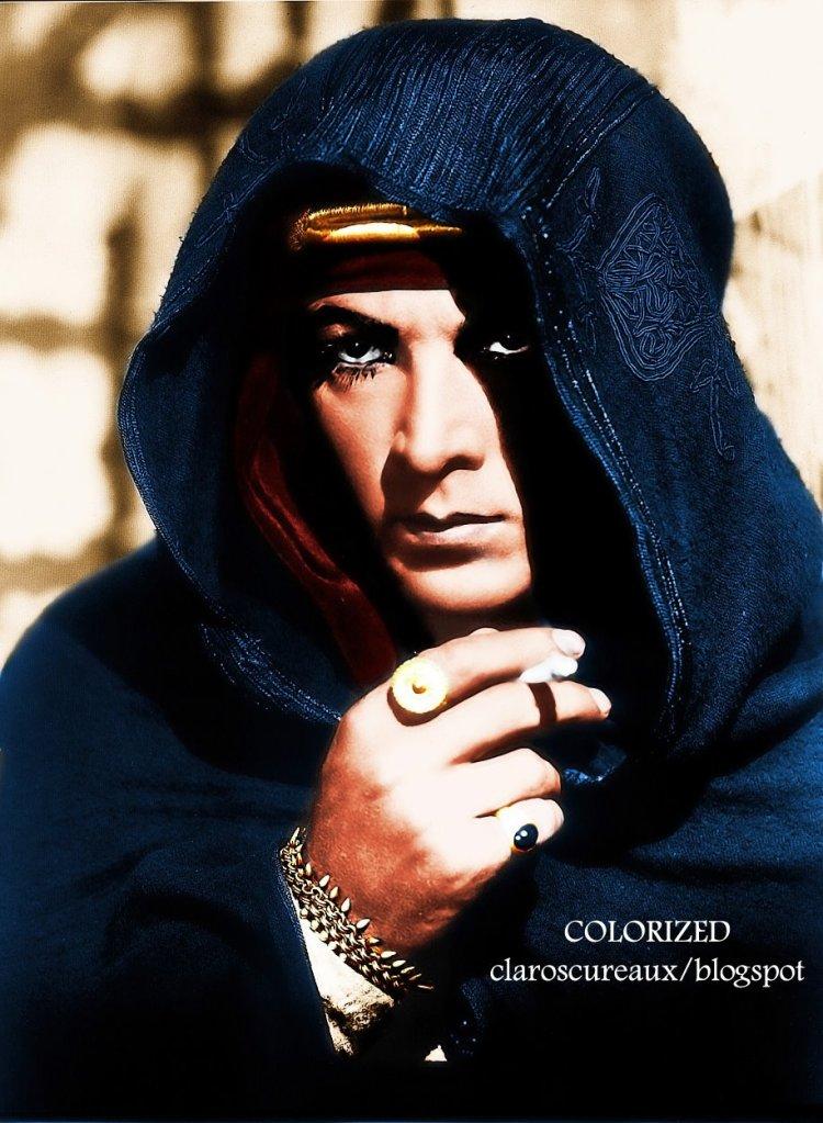 Valentino - © Claroscureaux (smolder alert, ladies!)