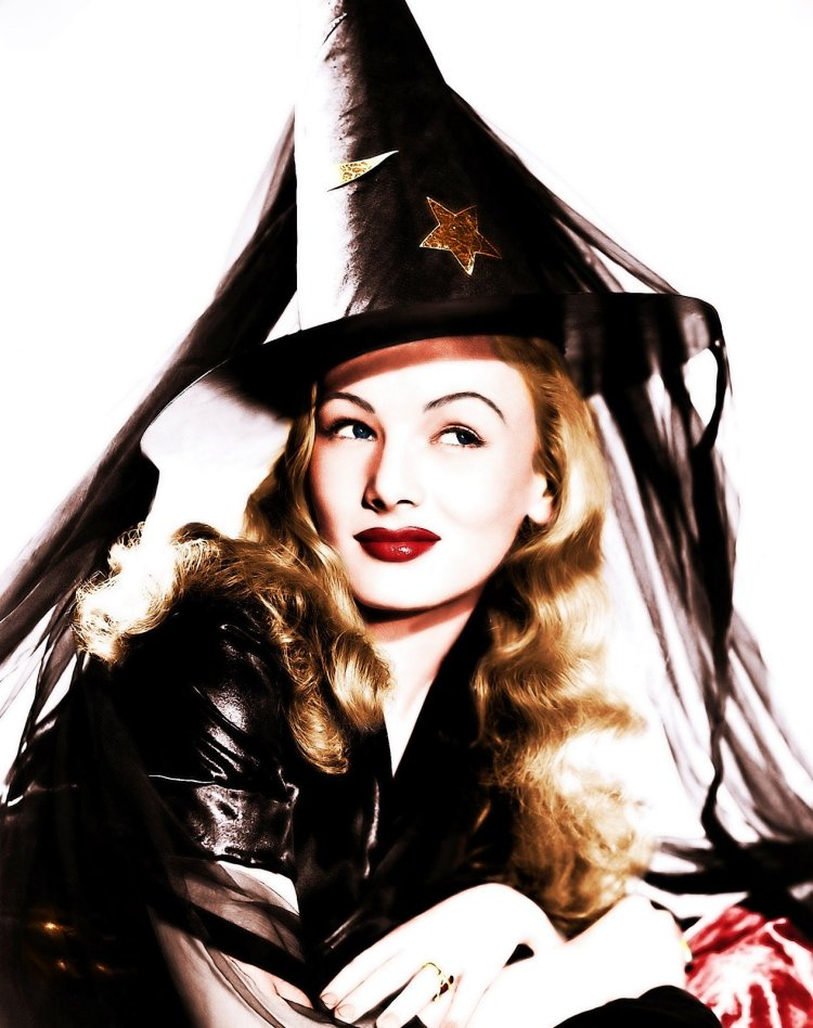 Veronica Lake - © Claroscureaux (this is quite possibly my favorite photo of the year)