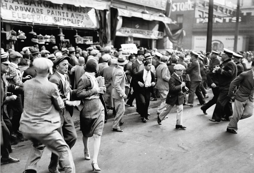 taschen_downtownla_redriots1930.jpg