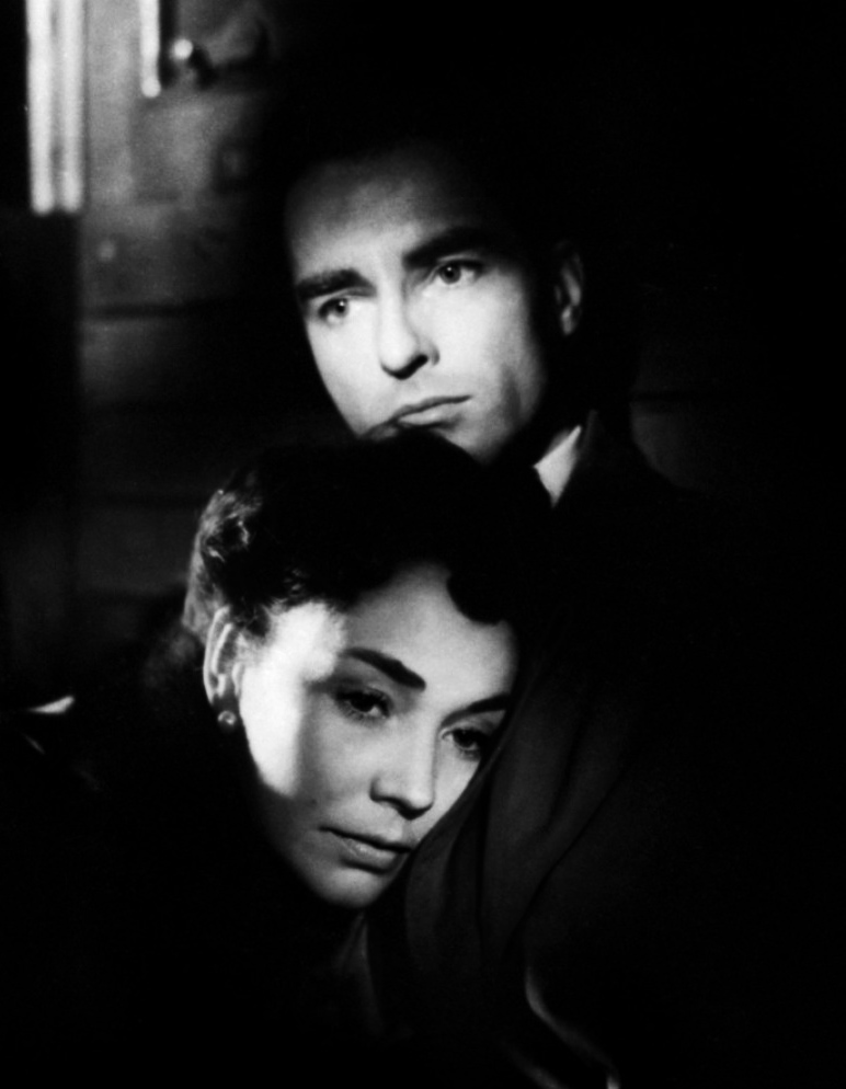 Montgomery Clift with Jennifer Jones in STAZIONE TERMINI